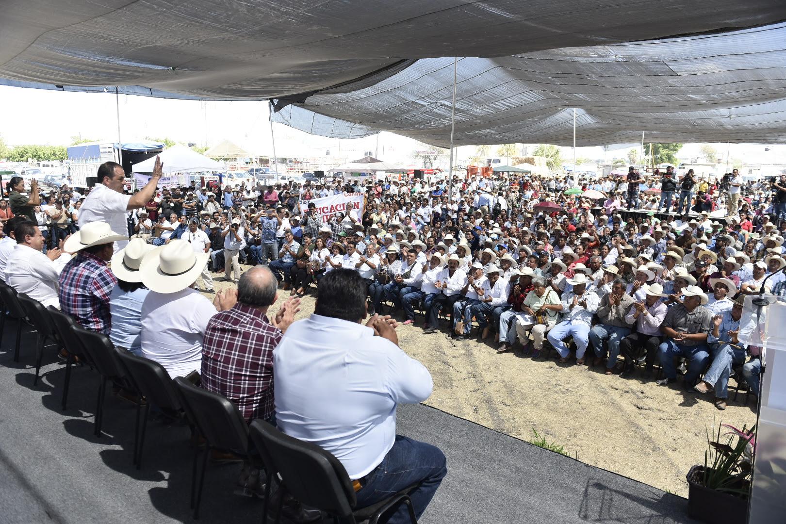 Photo of ENTREGA CUAUHTÉMOC BLANCO APOYOS POR MÁS DE 158 MILLONES DE PESOS EN BENEFICIO DEL CAMPO