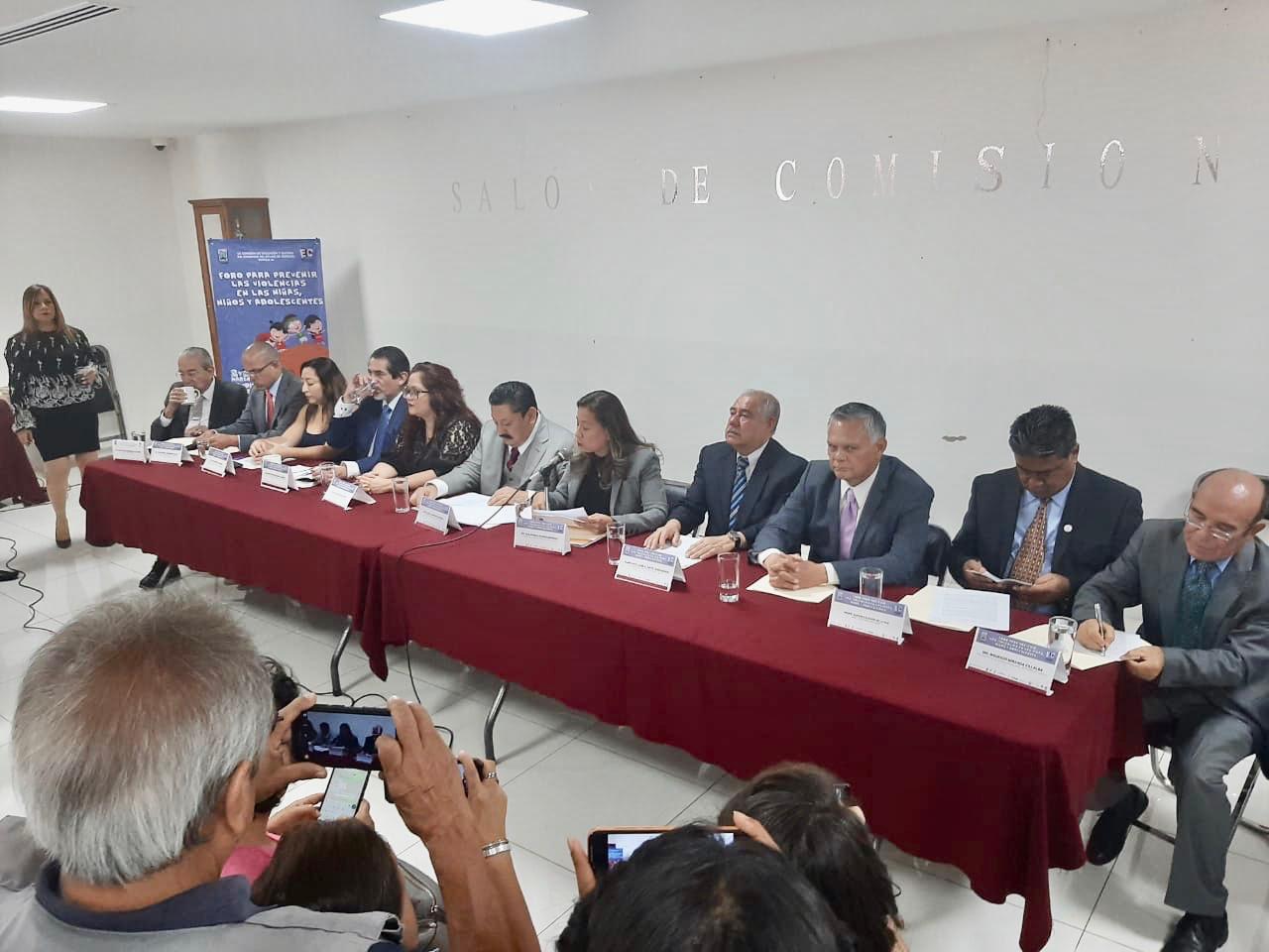 Photo of PARTICIPA FISCAL GENERAL EN FORO DE PROTECCIÓN