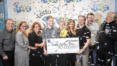 Photo of Compra un billete de lotería en la tienda en la que trabaja y gana 52 millones de dólares