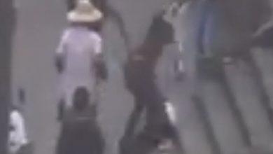 Photo of #Video Presuntos ambulantes agreden a mujer cadete de policía de Toluca