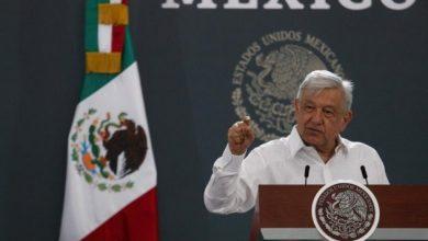 Photo of AMLO presume el sonido de una Guacamaya al inicio de su conferencia