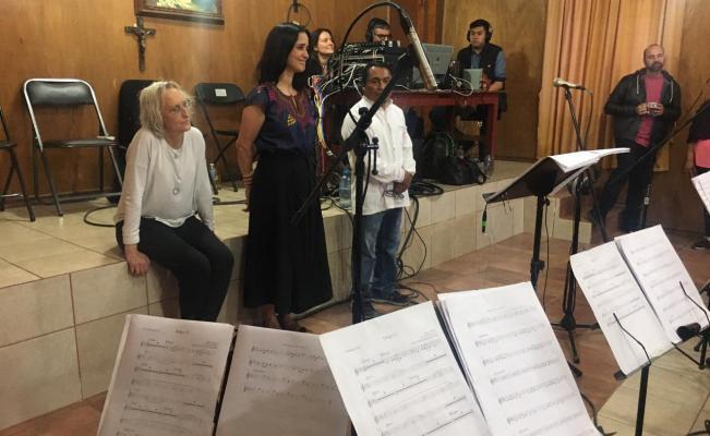Photo of Julieta Venegas graba temas con la Banda Filarmónica de Ayutla Mixe