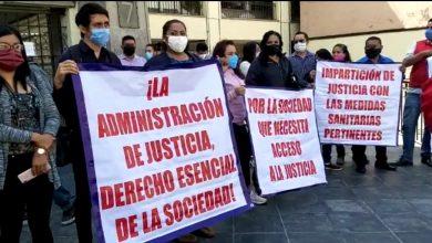 Photo of Vuelven a protestar abogados, piden reactivación de labores en el TSJ