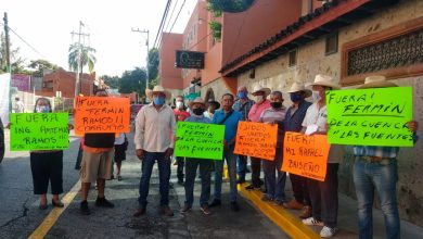 Photo of Protestan integrantes de la 'Unión de usuarios cuenca de las Fuentes' ante Conagua