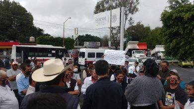 Photo of Protestan transportistas y comerciantes ante delegación de la Secretaría de Bienestar