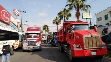Photo of Hartos de los asaltos, transportistas hacen mega bloqueo en Cuernavaca