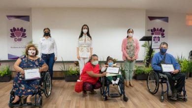 Photo of Entrega DIF sillas de ruedas a morelenses con discapacidad