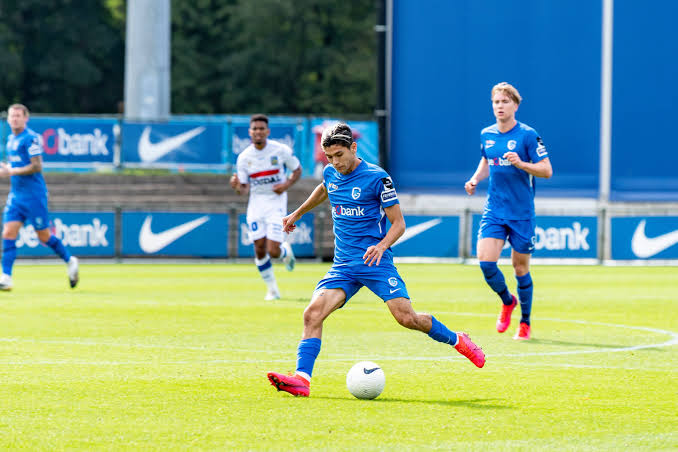 Photo of Gerardo Arteaga, elogiado en su debut con el Genk
