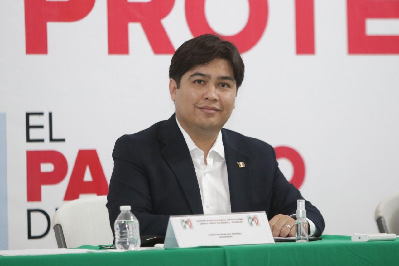 Photo of Toma protesta Alejandro Moreno al presidente del CDE y Consejo Político Estatal 2020-2023