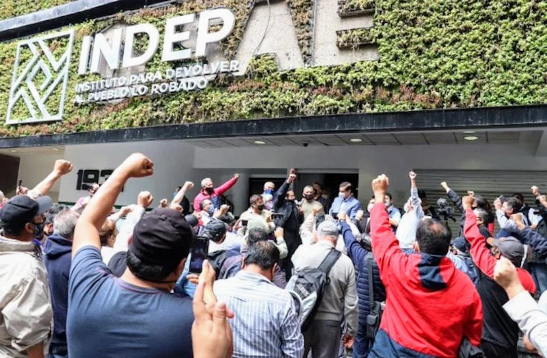 Photo of Indep condona deudas hipotecarias a exempleados de Luz y Fuerza