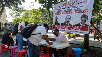 Photo of Morenistas recaban firmas para impulsar ante INE consulta popular