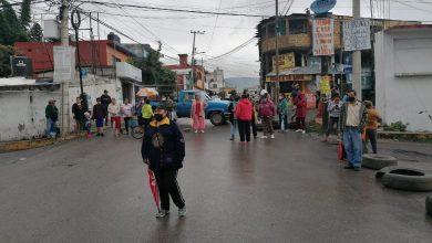 Photo of Protestan vecinos de la colonia Ahuehuetitla por falta de agua potable