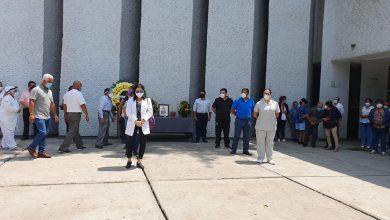 Photo of Rinden homenaje a médico del ISSSTE de Cuautla fallecido por covid-19