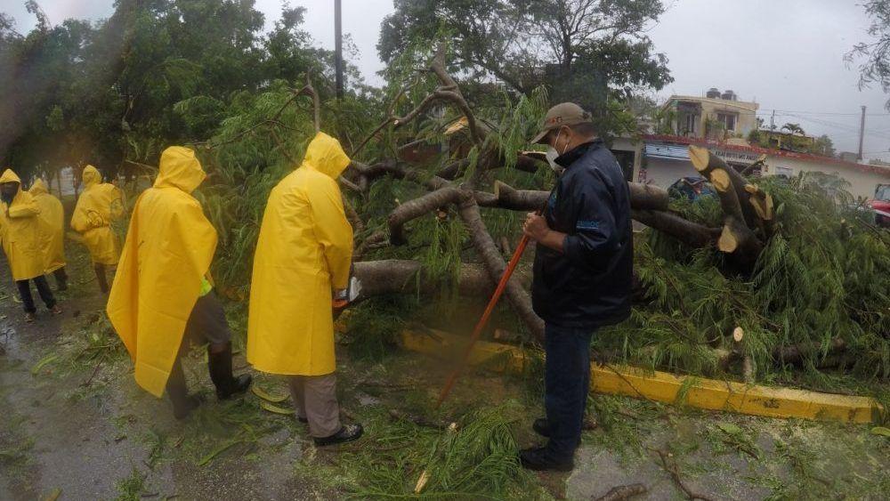 Photo of Aseguradoras reportan daños menores por huracanes en QR