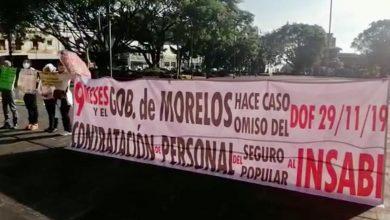 Photo of Se manifiestan ex trabajadores del Seguro Popular