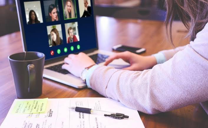 Photo of Zoom presenta OnZoom para que monetizar las conferencias